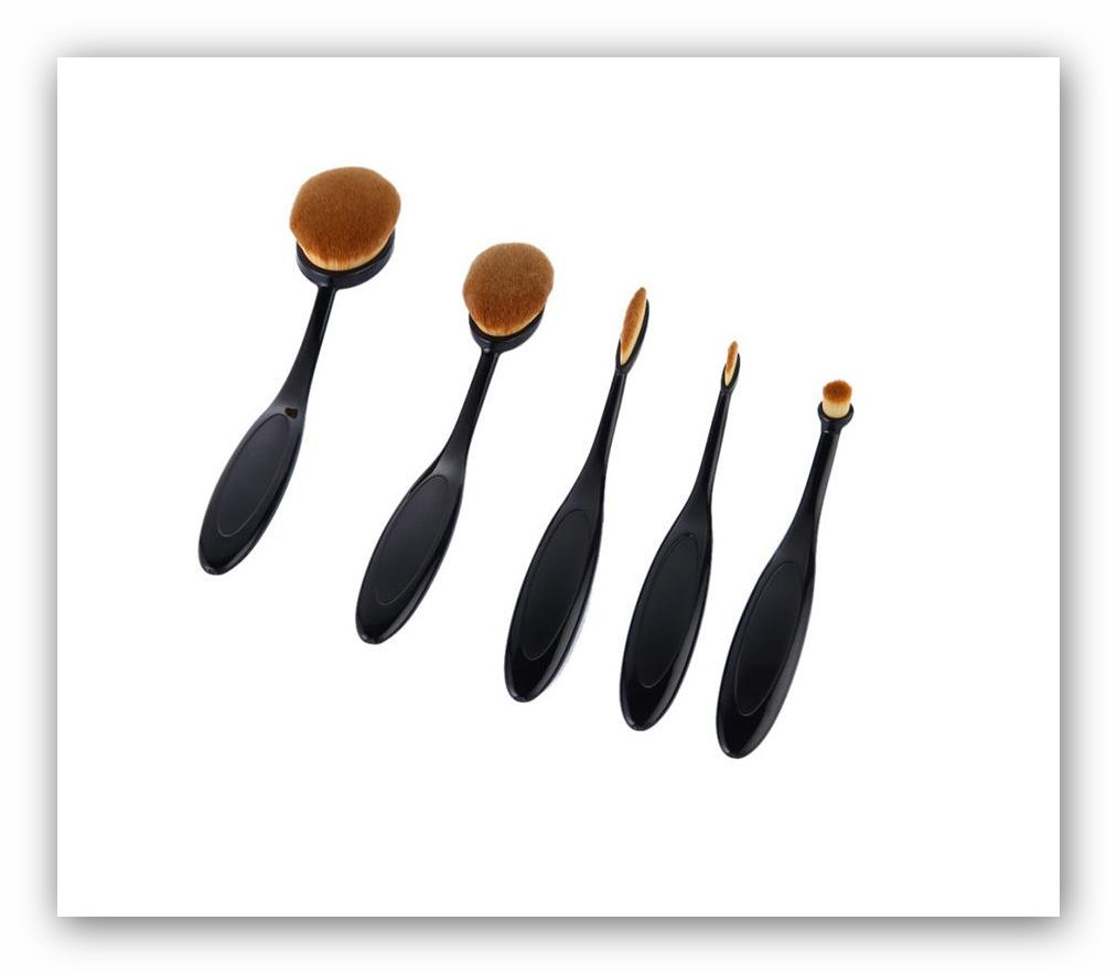 make-up-brush-oval